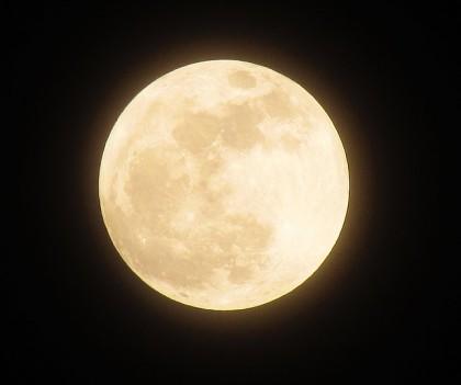 moon-1109746_640