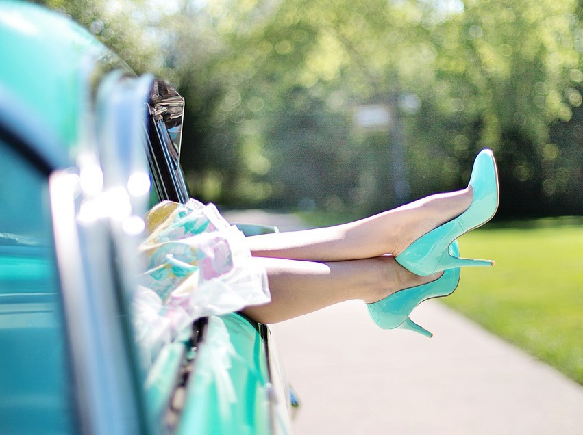womans-legs-887286_1280
