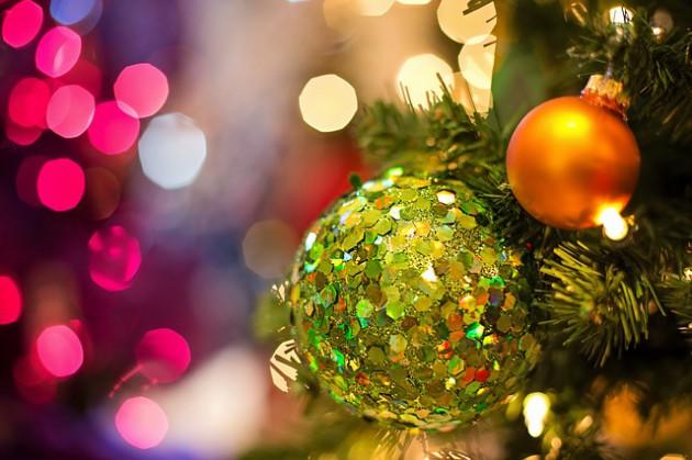 christmas-bulb-1823941_640