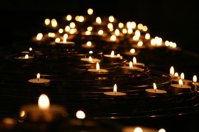 candlelights-1868525_640