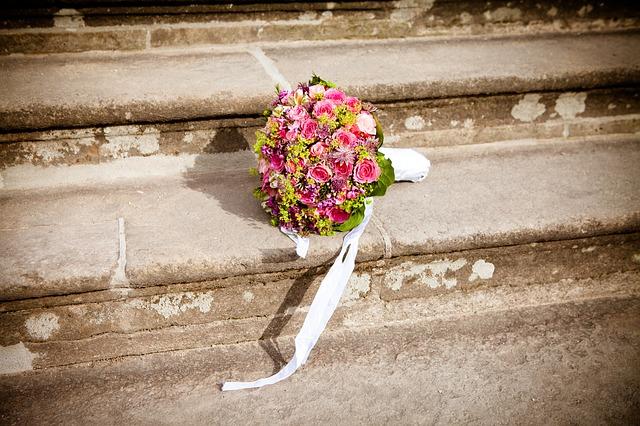 flowers-260898_640
