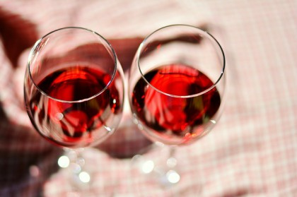 wine-glasses-2403116_640