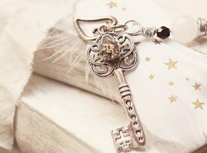 key-2471016_640