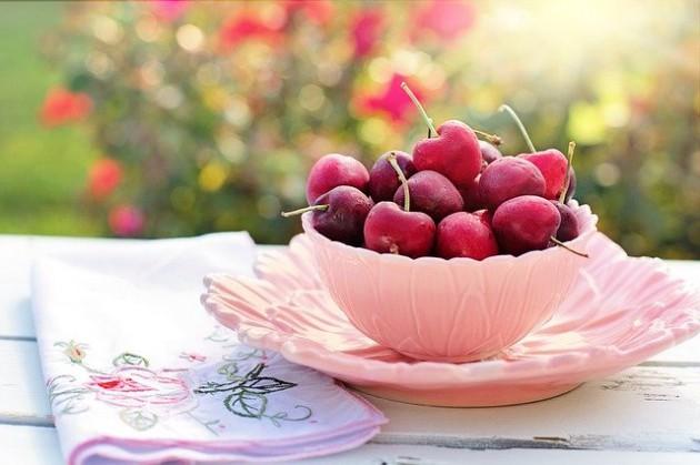 cherries-2402449_640